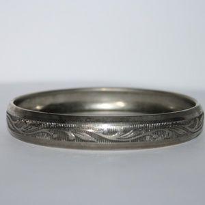 Vintage silver flower bangle bracelet